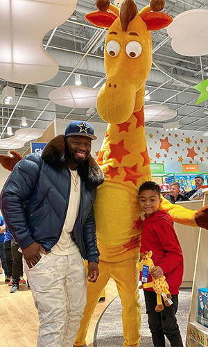 "<h2>50 Cent</h2><p></p><strong><a href=""https://ca.hellomagazine.com/tags/0/50-cent"">50 Cent</a></strong>'s son <strong>Sire Jackson</strong>'s Instagram (which is ""run by mommy"") explained how Christmas definitely came early for him: ""When I asked my Dad for the 'WHOLE Toys R Us Store' for Christmas I didn't think he would actually do it, but he did Thank you Daddy! Best Christmas Ever!""<p>Photo: © Instagram/sire_jackson"