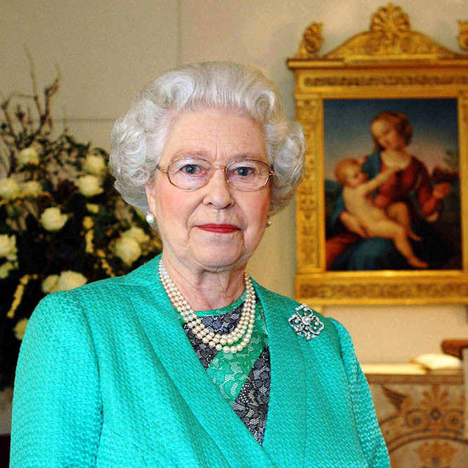 <h2>2005</h2></p><p>The monarch delivered this Christmas speech in the Chapel at Buckingham Palace. She wore a vivid teal jacket with diagonal striped lace dress underneath. The colour palette was in keeping with the festive season!</p><p>Photo: © Pool/Anwar Hussein Collection/Getty Images