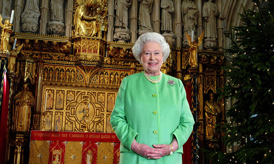 <h2>2006</h2></p><p>In a change from other years, the Queen recorded her 2006 Christmas message at Southwark Cathedral in London. She dazzled in a green buttoned jacket and matching skirt with her ever-present pearls.</p><p>Photo: © Anwar Hussein Collection/ROTA/WireImage