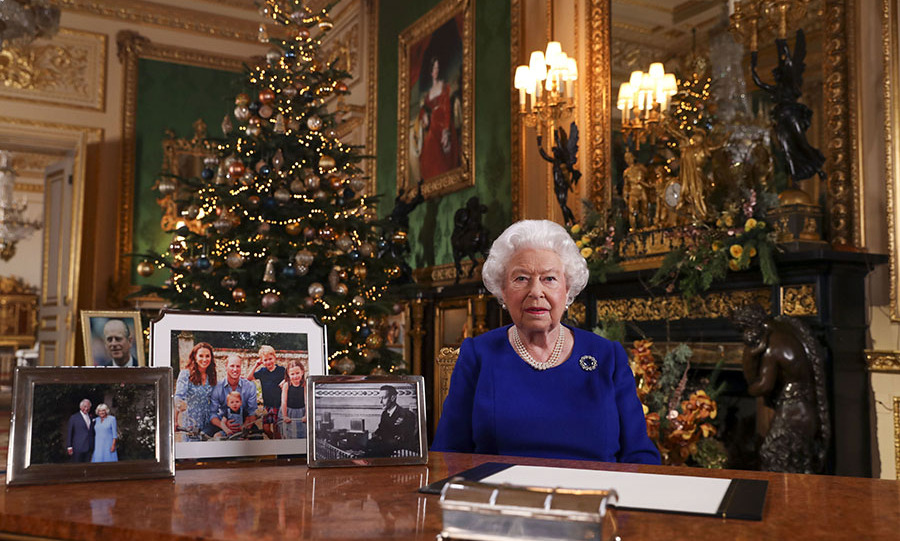 "<h2>2019</h2></p><p>The Queen reportedly doesn't like to repeat outfit colours too frequently on Christmas. For 2019,  she recorded her speech at <a href=""https://ca.hellomagazine.com/tags/0/windsor-castle/"" target=""_blank""><strong>Windsor Castle</strong></a> in a beautiful blue dress. The colour of her frock highlighted her pearl jewelry and the sapphire and diamond Prince Albert brooch. The latter piece was a present from
