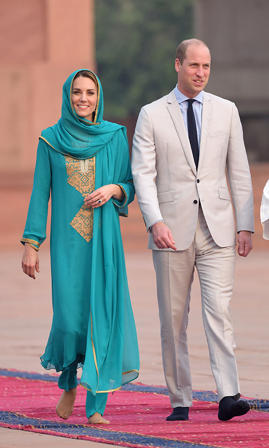 "<h2>Lahore, Oct. 17</h2></p><p>Royal fans praised Kate's Pakistan royal tour wardrobe for being respectful but still exhibiting her personal fashion sense. When she and Prince William visited the Badshahi Mosque on Oct. 17 in Lahore, her turquoise <strong><a href=""https://ca.hellomagazine.com/fashion/royal-style/2019120581592/kate-middleton-letter-maheen-khan-pakistan-tour/"" target=""_blank"">shalwar kameez</a></strong> and headscarf by Pakistani fashion designer <strong><a href=""https://ca.hellomagazine.com/tags/0/maheen-khan"">Maheen Khan</a></strong> showcased how well she can carry off colour and highlighted a local brand.</p><p>Photo: © Karwai Tang/WireImage"
