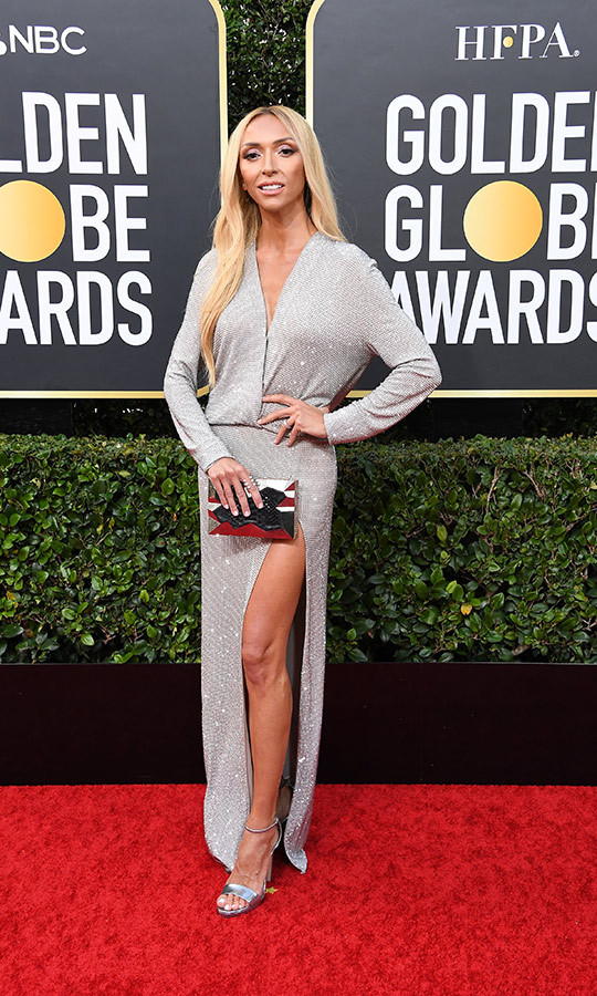 <strong><a href=/tags/0/giuliana-rancic>Giuliana Rancic</a></strong> glittered in a wrap dress! 