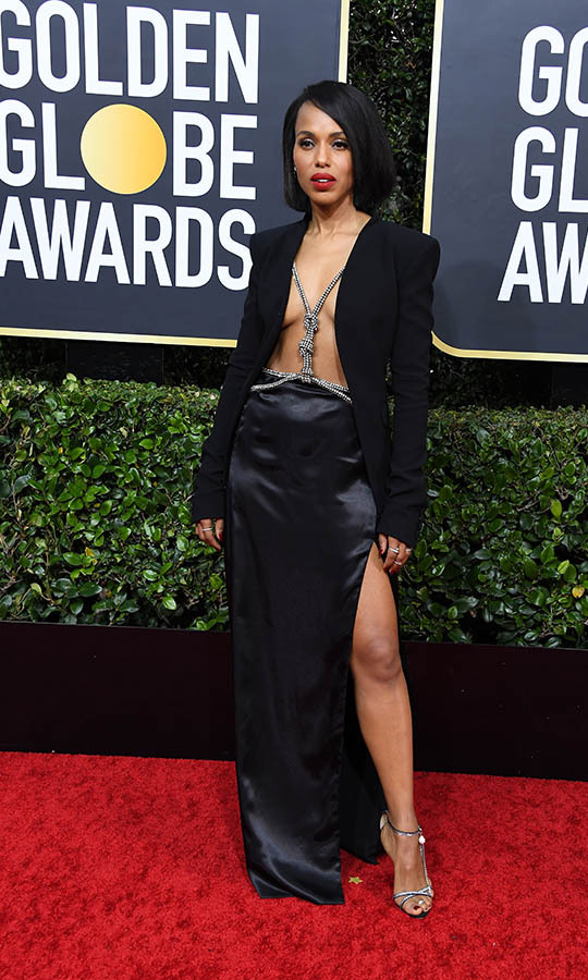 <a href=/tags/0/kerry-washington><strong>Kerry Washington</strong></a> turned heads in a sexy open blazer with harness detail and silk skirt by <strong>Altuzarra</strong>.
