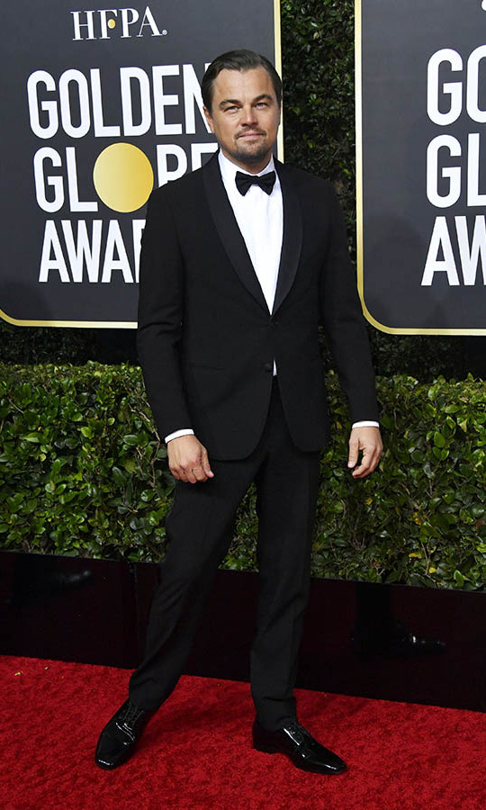<a href=/tags/0/leonardo-dicaprio/><strong>Leonardo Dicaprio</strong></a> looked dapper in a classic tuxedo. 