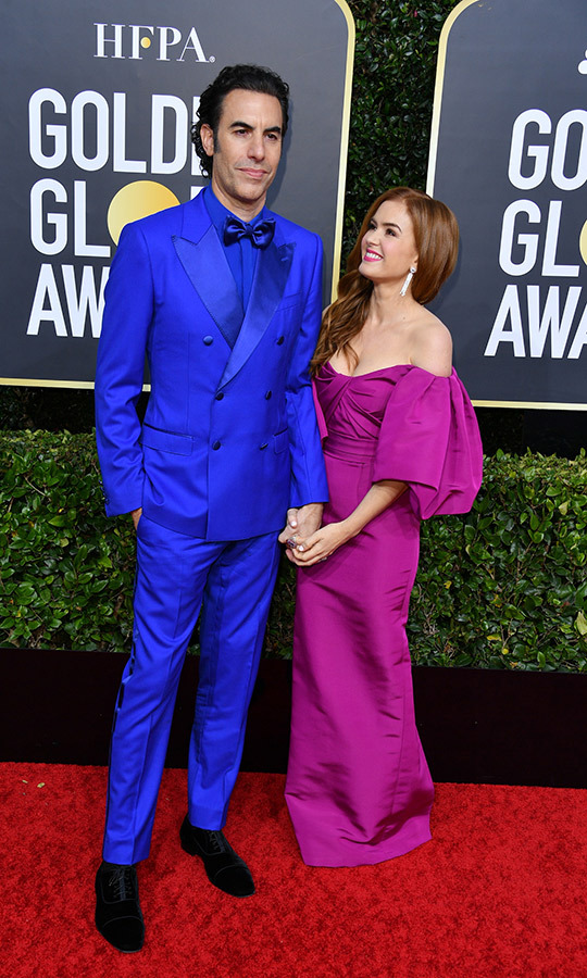 <strong><a href=/tags/0/sacha-baron-cohen>Sacha Baron Cohen</a></strong> and <strong><a href=/tags/0/isla-fisher>Isla Fisher</a></strong> showed off their very bright styles and adorable love on the red carpet.