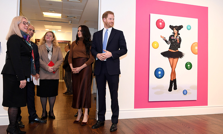 After that, Meghan and Harry viewed an exhibit of artwork by Kanien'kehá:ka (Mohawk) multimedia artist <strong>Skawennati</strong>.