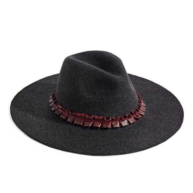 "Achieve Kate's head-turning look with this <strong>Echo</strong> Wool Fedora. It is constructed out of versatile black wool and features a contrasting band, like Kate's original hat. In this case, it is trimmed in a contrasting pleated fabric.</p><p>Echo Wool Fedora, $99, <a href=""https://www.thebay.com/echo-wool-fedora/product/0600090385655?FOLDER%3C%3Efolder_id=2534374302023690&R=637318734404&P_name=Echo&Ntt=fedora&N=302023690"">The Bay</a></p><p>Screenshot via thebay.com"