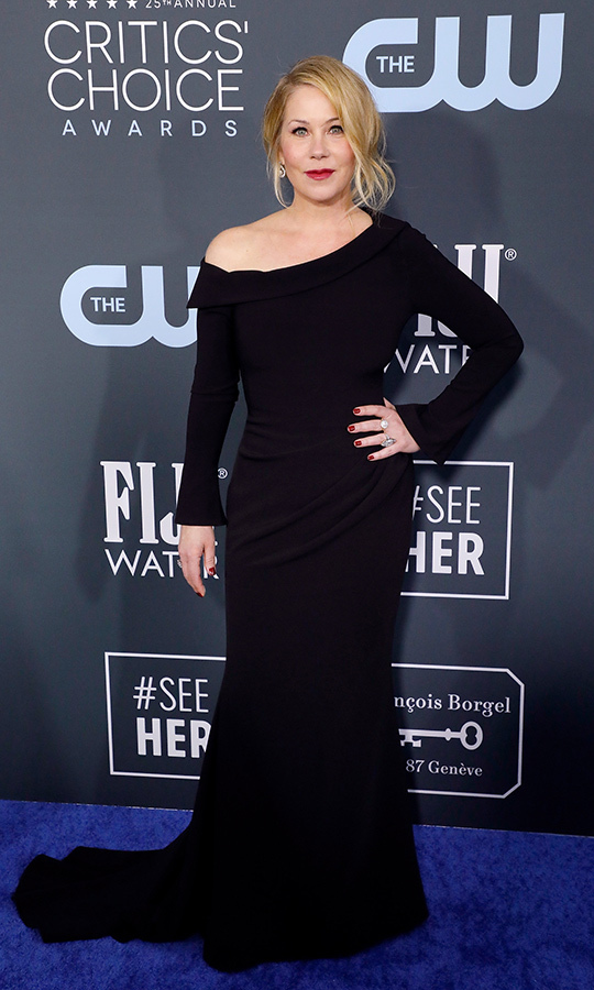 <a href=/tags/0/christina-applegate><strong>Christina Applegate</a></strong> looked stunning in an off-the-shoulder black dress. 