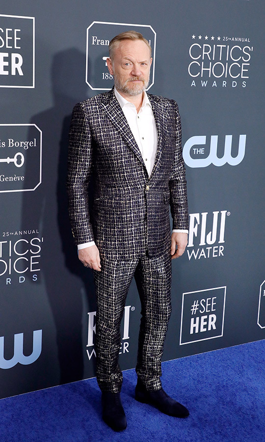 <strong>Jared Harris</strong> showed his flair for fashion in a slim textured suit with white shirt. <p>Photo: &copy; Taylor Hill/Getty Images