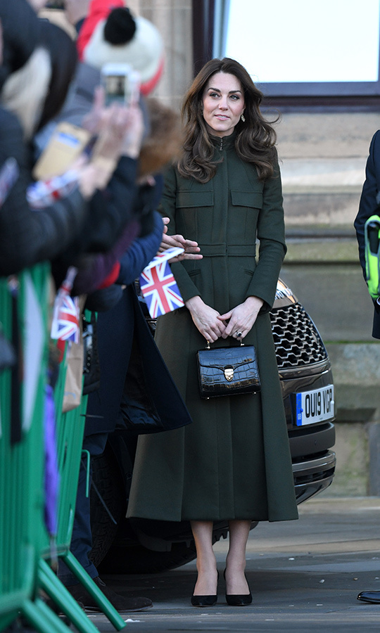 Here's a better look at Kate's handbag.