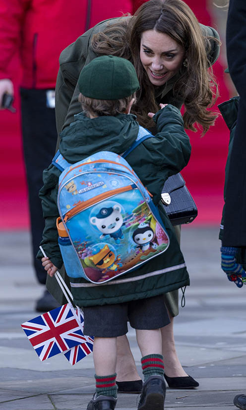 Hello there! While at City Hall in Bradford's Centenary Square, the Duchess of Cambridge shook hands with a young well-wisher. <p>Photo: © Mark Cuthbert/UK Press via Getty Images