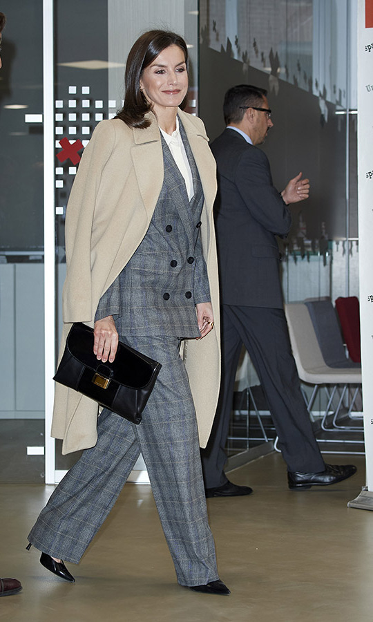 <a href=/tags/0/queen-letizia><strong>Queen Letizia</a></strong> looked super chic as she attended a meeting at the Red Cross Madrid headquarters on Jan. 16. <p>Photo: &copy; Carlos Alvarez/GC Images