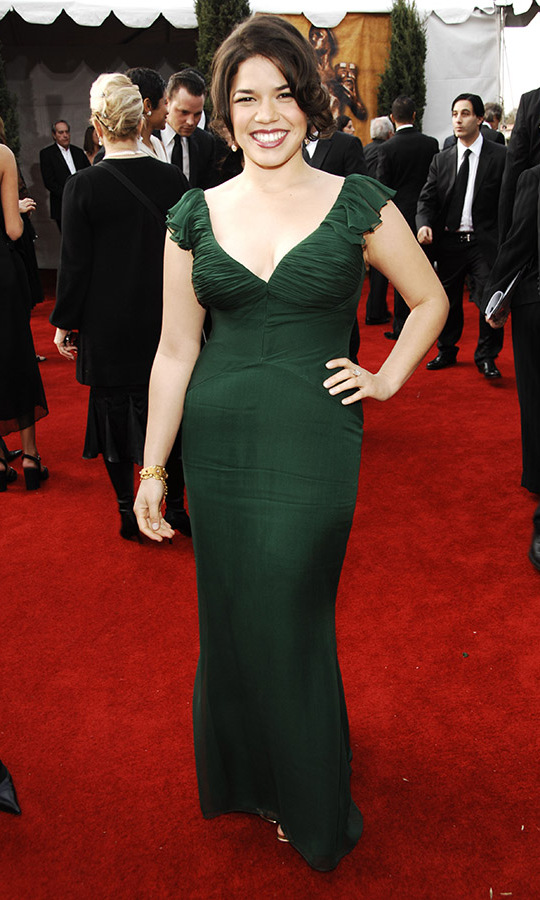 "<h2>America Ferrera, 2007</h2><p> <strong>America Ferrera</strong> looked beautiful in a deep green <a href=""https://ca.hellomagazine.com/tags/0/badgley-mischka""><strong>Badgley Mischka</strong></a> gown. No dramatic accessories were needed. <p>Photo: © KMazur/WireImage"