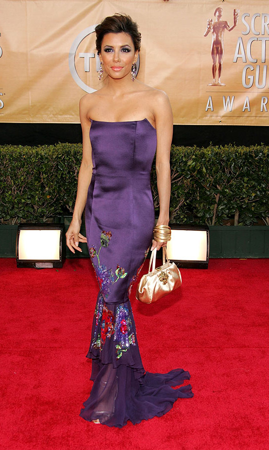 <h2>Eva Longoria, 2005</h2><p> The <em>Desperate Housewives</em> actress's deep purple dress had an unexpected shot of multicoloured embroidery. <p>Photo: © Vince Bucci/Getty Images
