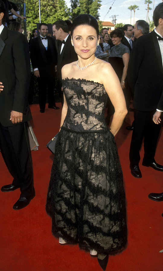 "<h2>Julia Louis-Dreyfus, 1999</h2><p><a href=""https://ca.hellomagazine.com/tags/0/julia-louis-dreyfus""><strong>Julia Louis-Dreyfus</strong></a> looked timelessly elegant in a full black lace dress at the 1999 Screen Actors Guild Awards. <p>Photo: © Ron Galella/Ron Galella Collection via Getty Images"