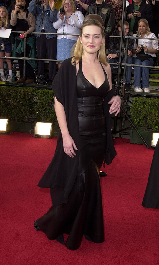 "<h2>Kate Winslet, 2001</h2><p><a href=""https://ca.hellomagazine.com/tags/0/kate-winslet""><strong>Kate Winslet</strong></a> turned heads at the 7th Annual Screen Actors Guild Awards with a black leather dress and draped shawl. <p>Photo: © SGranitz/WireImage"