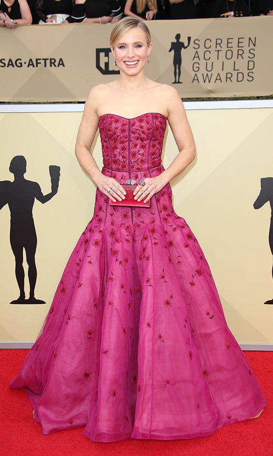 "<h2>Kristen Bell, 2018</h2><p> <a href=""https://ca.hellomagazine.com/tags/0/kristen-bell""><strong>Kristen Bell</strong></a> brought such joy to the 24th Annual Screen Actors Guild Awards with her big smile and bright <strong>J. Mendel</strong> gown. <p>Photo: © Dan MacMedan/Getty Images"