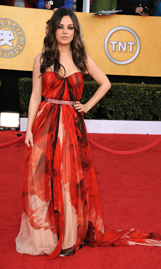 "<h2>Mila Kunis, 2011</h2><p> In a printed <a href=""https://ca.hellomagazine.com/tags/0/alexander-mcqueen""><strong>Alexander McQueen</strong></a> gown, <a href=""https://ca.hellomagazine.com/tags/0/mila-kunis""><strong>Mila Kunis</strong></a> put on a fiery display at the 2011 SAG Awards. <p>Photo: © Steve Granitz/WireImage"