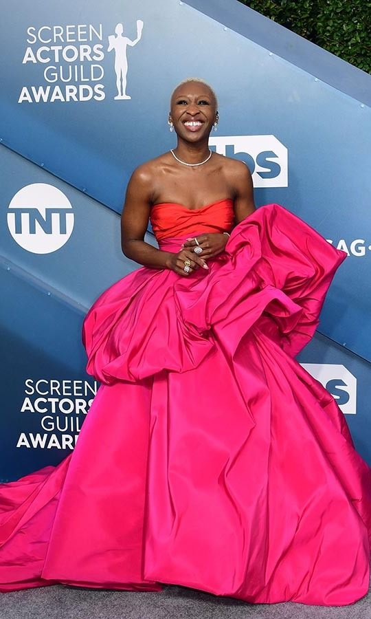 <a href=/tags/0/cynthia-erivo><strong>Cynthia Erivo</strong></a> brought colour and drama to the carpet in her striking strapless gown! <p>Photo: &copy; FREDERIC J. BROWN/AFP via Getty Images