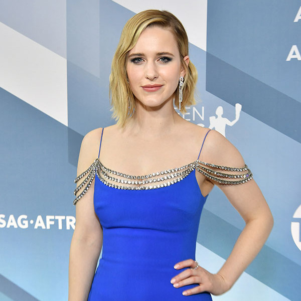 <em>The Marvelous Mrs. Maisel</em>'s <a href=/tags/0/rachel-brosnahan><strong>Rachel Brosnahan</strong></a> brought ample sparkle to the silver carpet with her dangling <strong>Forevermark</strong> earrings and the draped beading on her <a href=/tags/0/stella-mccartney><strong>Stella McCartney</strong></a> dress. <p>Photo: &copy Amy Sussman/WireImage