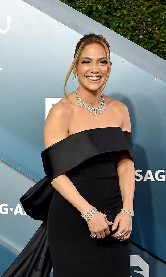 <a href=/tags/0/jennifer-lopez><strong>Jennifer Lopez</strong></a> was all smiles in plenty of diamonds! The SAG nominee wore a whopping $9 million worth of <strong>Harry Winston</strong> jewellery, including a 73.55-carat necklace. <p> Photo: &copy; Axelle/Bauer-Griffin/FilmMagic