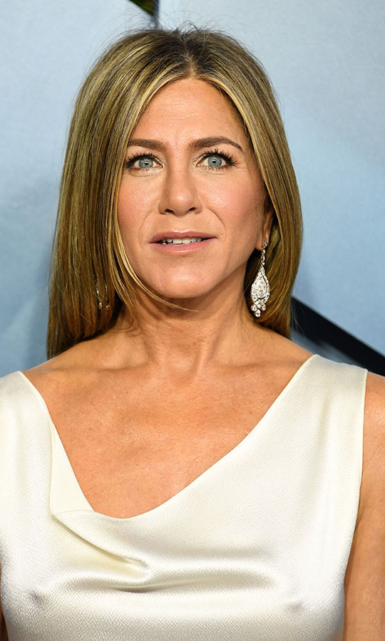 SAG winner <a href=/tags/0/jennifer-aniston><strong>Jennifer Aniston</strong></a> looked radiant in  <strong>Fred Leighton</strong> jewels, including a flowing pair of earrings. <p>Photo: &copy; Steve Granitz/WireImage