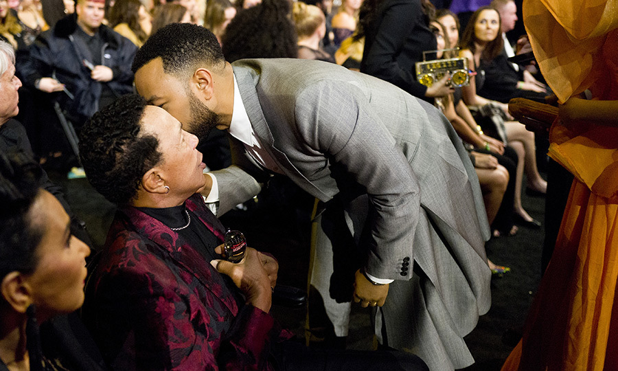 <strong><a href=/tags/0/john-legend>John Legend</a></strong> was spotted saying hello to Motown legend <strong>Smokey Robinson</strong> and likely whispering something very lovely in his ear.