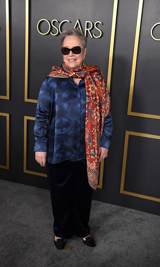 Best Supporting Actress nominee <a href=/tags/0/kathy-bates><strong>Kathy Bates</strong></a> also embraced the sunglasses trend at the Oscars luncheon. Furthermore, she accessorized with a striking paisley scarf. <p>Photo: &copy; Steve Granitz/WireImage