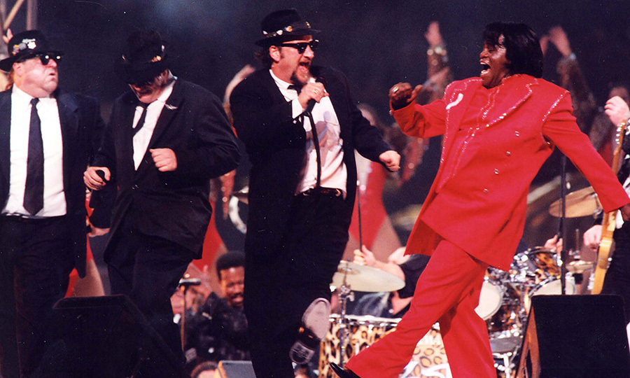 The Super Bowl got a small injection of Can-con when <strong>Dan Ackroyd</strong> and <strong>The Blues Brothers</strong> joined <strong>James Brown</strong> for the halftime show in 1997. 