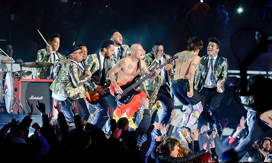 <strong><a href=/tags/0/bruno-mars>Bruno Mars</a></strong> and the <strong><a href=/tags/0/red-hot-chili-peppers>Red Hot Chili Peppers</a></strong> brought some funky moves to the show in 2014.