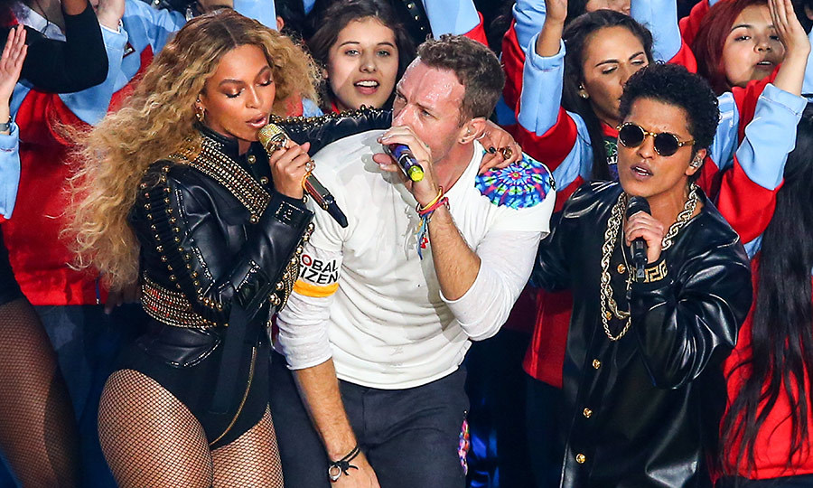 Both Beyoncé and Bruno Mars returned in 2015 for a set that also included <strong><a href=/tags/0/coldplay>Coldplay</a></strong>.