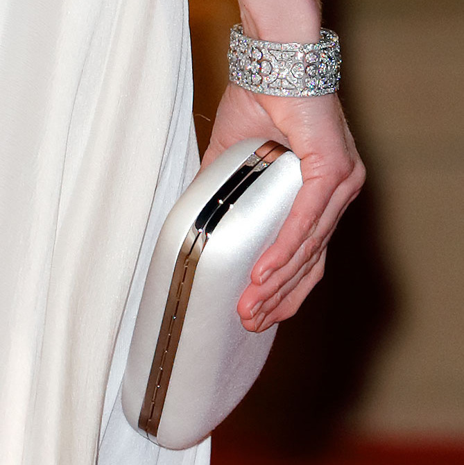 Kate's sparkling bracelet and clutch are worthy of a closer look! <p> Photo: &copy; Max Mumby/Indigo/Getty Images