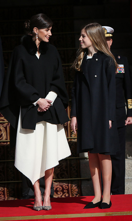 "The <a href=""https://ca.hellomagazine.com/tags/0/spanish-royals""><strong>Spanish royals</strong></a> stepped out on Feb. 3 to attend the 14th Legislative Sessions Opening in Madrid. <a href=/tags/0/queen-letizia><strong>Queen Letizia</strong></a> and daughter <a href=/tags/0/princess-sofia><strong>Princess Sofia</strong></a> matched in black coats and chic shoes. <p>Photo: &copy; Pablo Cuadra/Getty Images"
