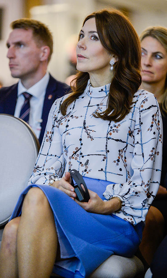 She looked so chic in a purple pencil skirt and printed blouse at a panel discussion on the fight with diabetes in Warsaw in Nov. 2019. <p>Photo: &copy; Omar Marques/Getty Images