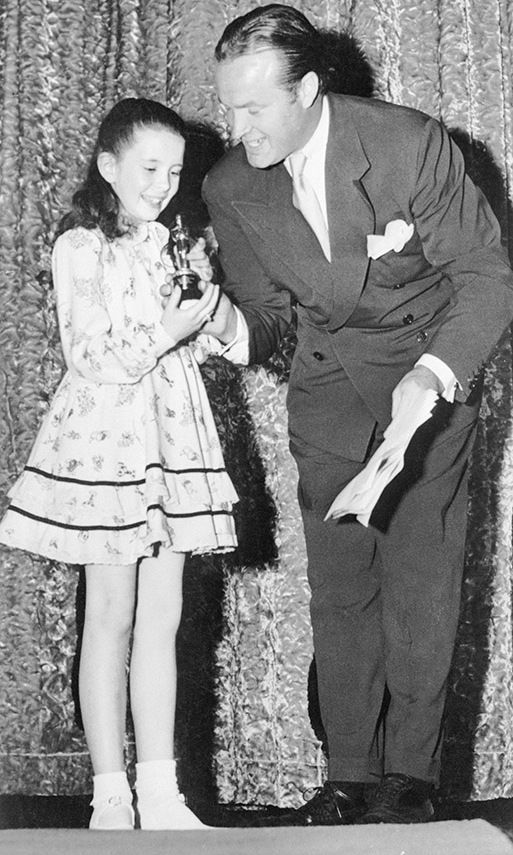 "<strong>Bob Hope</strong> presents <em>Meet Me in St. Louis</em> star <strong>Margaret O'Brien</strong> with her ""Oscarette"" for Best Performance of a Child Actress in 1944. Unfortunately, the Academy stopped giving out the tiny Academy Juvenile Awards in 1960.<p>Photo: &copy; Bettmann"
