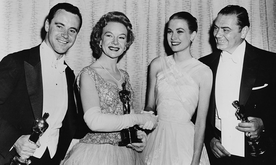 What a talented group! <strong>Jack Lemmon</strong>, <strong>Jo Van Fleet</strong> and <strong>Ernest Borgnine</strong> pose with their awards alongside presenter <strong>Grace Kelly</strong> (second right) at the 28th Academy Awards in Los Angeles on March 21, 1956. <p>Photo: &copy; Archive Photos/Getty Images