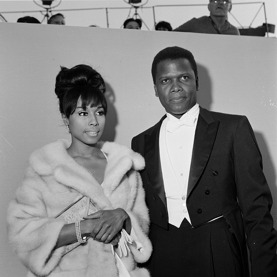 <strong>Sidney Poitier</strong> and <strong>Diahann Carroll</strong> attend the 36th Academy Awards in Santa Monica in elegant outfits in 1964. They would both go on to receive Oscar nominations <p>Photo: &copy; Earl Leaf/Michael Ochs Archives/Getty Images