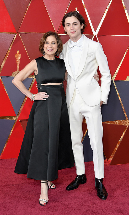 <strong><a href=/tags/0/timothee-chalamet>Timothee Chalamet</a></strong> and his mom, <strong>Nicole Flender</strong>, looked SO COOL at the 2018 Oscars!