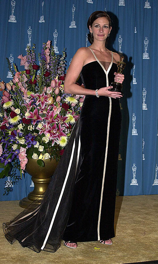 <h2>2001</h2></p>Best Actress winner <a href=/tags/0/julia-roberts><strong>Julia Roberts</strong></a> proved gorgeous gowns don't date when she wore a vintage <a href=/tags/0/valentino><strong>Valentino</strong></a> dress from 1982 to the 73rd Annual Academy Awards. <p>Photo: &copy; Jeff Kravitz/FilmMagic