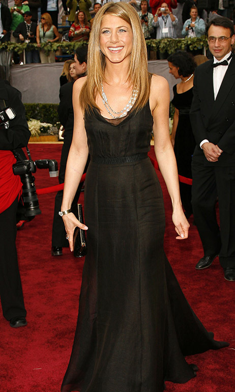 <h2>2006</h2></p><a href=/tags/0/jennifer-aniston><strong>Jennifer Aniston</strong></a> demonstrated her mastery of minimalism at the 78th Annual Academy Awards in a black <strong>Rochas</strong> gown. But she did accessorize with a statement vintage necklace from <a href=/tags/0/bulgari><strong>Bulgari</strong></a>! <p>Photo: &copy; Chris Polk/FilmMagic
