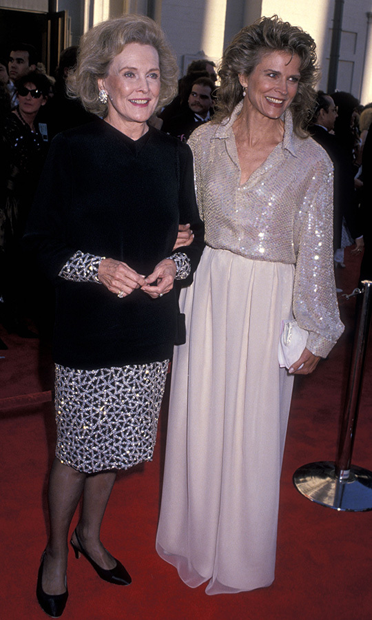 Talk about lookalikes! <strong>Candice Bergen</strong> really resembles her mother, <strong>Frances</strong>, who was with her at the Oscars in 1989!
