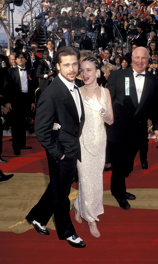 Those shoes! <strong><a href=/tags/0/brad-pitt>Brad Pitt</a></strong> was bearded and dating <strong>Juliette Lewis</strong> in 1992 when he attended his first Oscars.