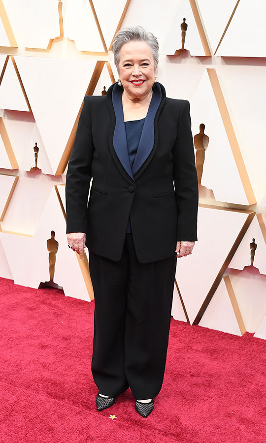 Best Supporting Actress nominee <a href=/tags/0/kathy-bates><strong>Kathy Bates</strong></a> looked sophisticated in a black Giorgio Armani suit with contrasting collar.<p>Photo: &copy; Steve Granitz/WireImage