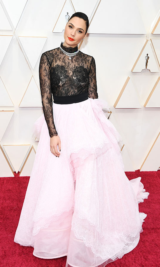 <em>Wonder Woman</em> actress <a href=/tags/0/gal-gadot><strong>Gal Gadot</strong></a>'s <strong><a href=/tags/0/givenchy>Givenchy</a></strong> Haute Couture SS20 pale pink skirt with black lace bodice with a sparkling Tiffany necklace.<p> Photo: &copy; Kevin Mazur/Getty Images