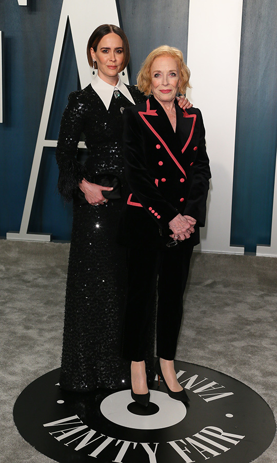 <em>American Horror Story</em> actress <a href=/tags/0/sarah-paulson><strong>Sarah Paulson</strong></a> and partner <strong>Holland Taylor</strong> coordinated in striking black outfits. <p>Photo: &copy; JEAN-BAPTISTE LACROIX/AFP via Getty Images