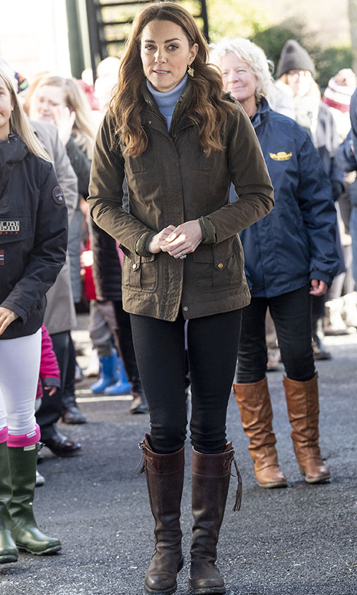 <a href=/tags/0/kate-middleton><strong>Duchess Kate</strong></a> made a surprise visit to The Ark Open Farm in Newtownards, Northern Ireland on Feb. 12. She sported a khaki green <a href=/tags/0/barbour><strong>Barbour</strong></a> jacket with sky blue turtleneck, black skinny jeans and her favourite <a href=/tags/0/penelope-chilvers><strong>Penelope Chilvers</strong></a> tall brown tassel boots. <p>Photo: © Mark Cuthbert/UK Press via Getty Images