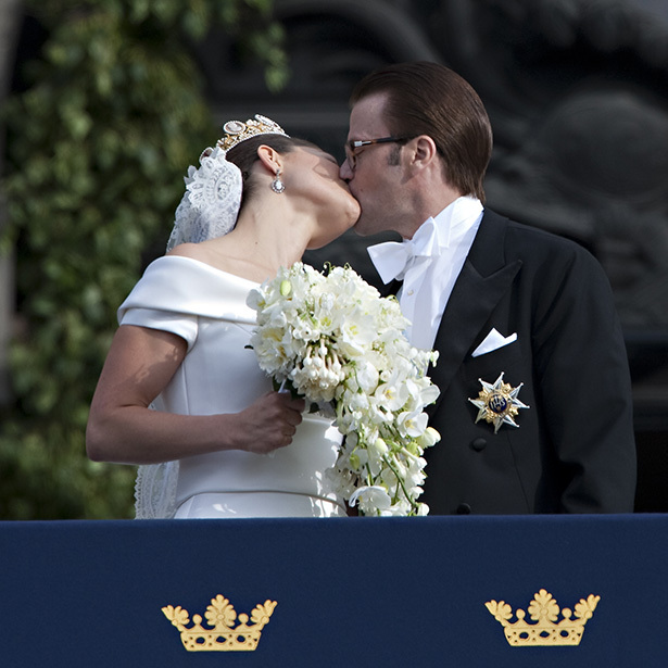 Muah! <a href=/tags/0/Crown-Princess-Victoria><strong>Crown Princess Victoria</strong></a> and <a href=/tags/0/prince-daniel><strong>Prince Daniel</strong></a> celebrated their wedding at Stockholm Cathedral with a big kiss on June 19, 2010.