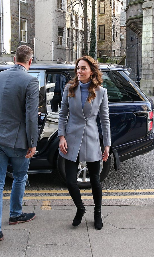 "Kate cut a chic figure when she stepped out in Aberdeen on Feb. 12 to visit the Social Bite cafe. She donned a dusty blue-grey blazer and <strong><a href=""https://ca.hellomagazine.com/tags/0/john-lewis"">John Lewis</a></strong> Pure Collection sky blue turtleneck. Her black skinny jeans and boots made the soft colours pop! <p>Photo: © Paul Campbell/Getty Images"