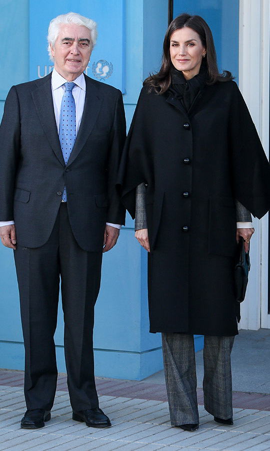 <a href=/tags/0/queen-letizia><strong>Queen Letizia</strong></a> of Spain kept warm while going into a meeting at the UNICEF Headquarters in a voluminous black coat on Feb. 19 in Madrid. The cropped sleeves and knee-length of her topper showcased her suit underneath. <p>Photo: &copy; Paolo Blocco/WireImage