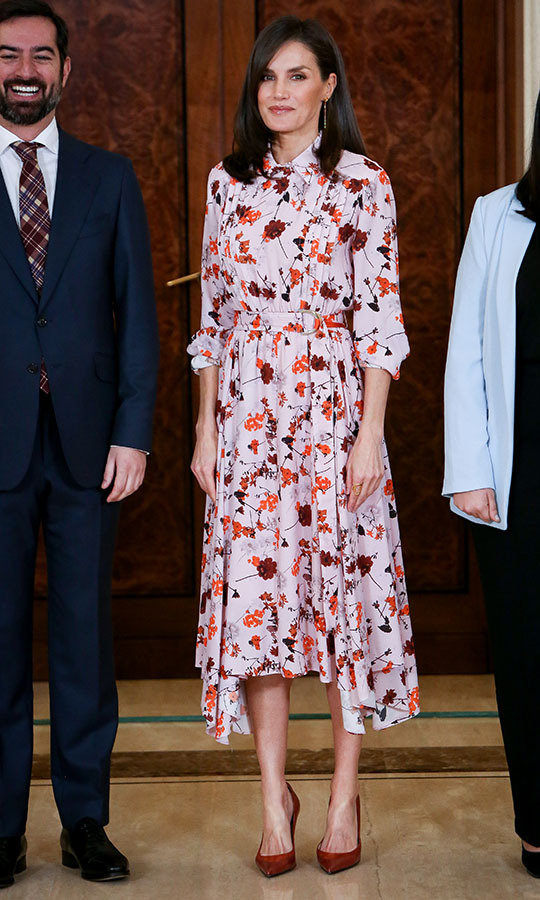 On Feb. 21, <a href=/tags/0/queen-letizia><strong>Queen Letizia</strong></a> had us thinking of spring thanks to the pink floral <a href=/tags/0/hugo-boss><strong>BOSS</strong></a> dress she donned to attend several audiences at Zarzuela Palace in Madrid.<p>Photo: &copy; Paolo Blocco/WireImage